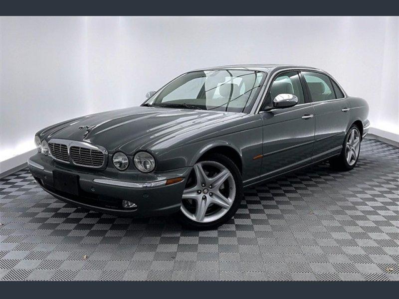 Photo Used 2005 Jaguar XJ Vanden Plas  for sale