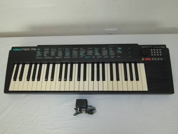 Photo Vintage Yamaha PSR-75 Portable Electronic Keyboard - $50 (Jacksonville)