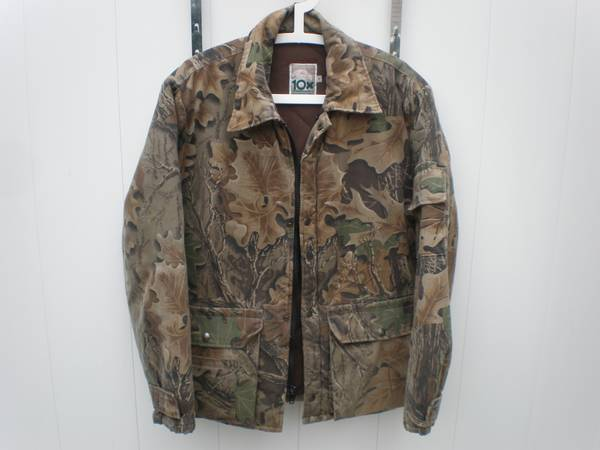 Photo 10x Mens Camo Hunting Jacket w Thinsulate Made in USA Size M - $50 (Williamsville)