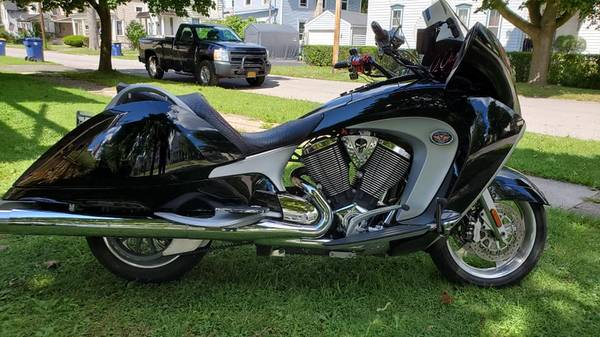 Photo 2009 Victory Vision Tour - $4,500 (Lockport)