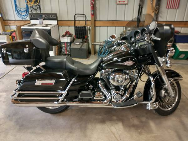 Photo 2010 Harley Davidson Electra Glide Classic - $11,500 (Bennington)