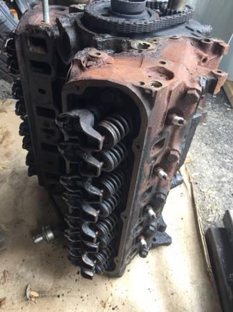Photo 302 Ford engine - $75 (North Tonawanda)