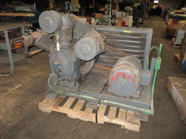 Photo Air Compressor 20 Hp Ingersoll Rand Two Stage Skid Mounted 3 Phase Use - $800 (Buffalo, NY)