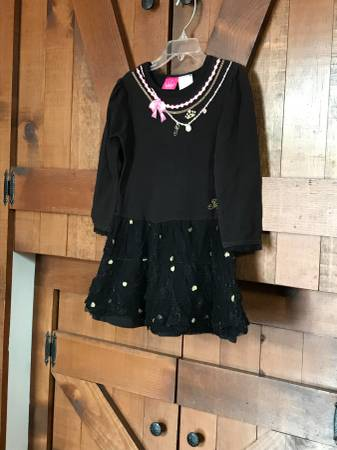 Photo Black, pink and gold fancy princess dress for girls - $5 (Williamsville)