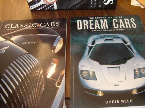 Photo CARS The Classic Collection A World of Cars in Two Great Volumes. (Niagara Falls)