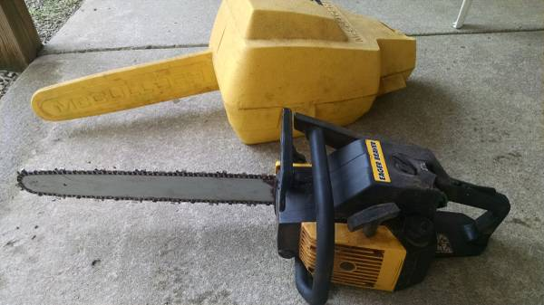 Photo CHAINSAW MC CULLOCH 3.7 CI EAGER BEAVER 20quot BAR WITH CASE - $125 (LITTLE VALLEY)