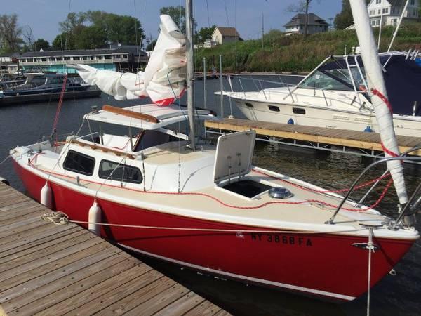 Photo Catalina 22 Sailboat - $3,750 (Lockport, NY)