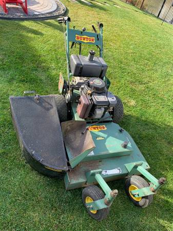 Photo Commercial mower - $300 (amherst)