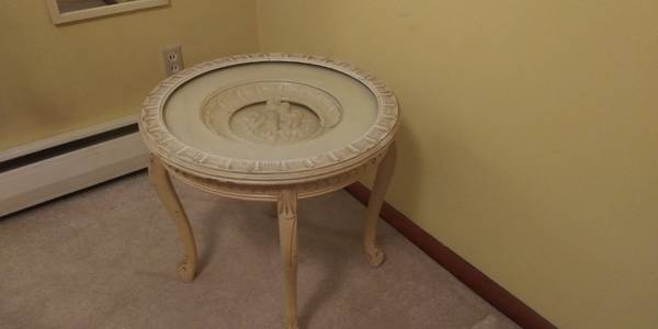 Photo End table, antique white - $45 (Wehrle and Union Road)