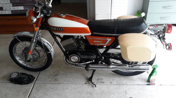 Photo Excellent Condition - Yamaha 350 CC R5 Motorcycle - $3,500 (Eden, NY)
