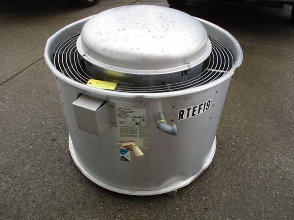 Photo Exhaust Fan Acme Centri Master Model PNU120RFES for Restaurant Used - $400 (Buffalo, NY)