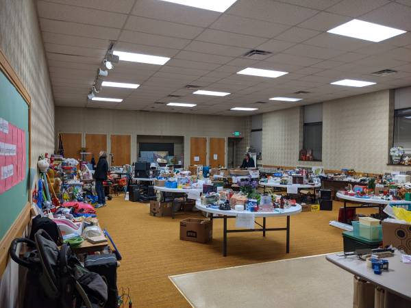 Photo HUGE RUMMAGE SALE DON39T MISS THIS ONE 115-117 (Irondequoit)