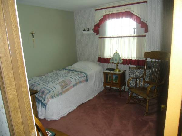 Photo Home to share in Cheektowaga, NY (Dean Rd and Geo. Urban)