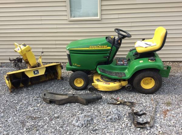 Photo John Deere LX266 Tractor 42quot Deck, Leaf Mulcher, Snowblower Only 375HR - $1,950 (Williamsville, NY)