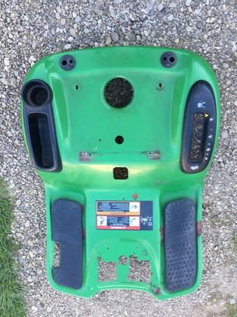Photo John Deere Lawn Mower Fender Deck L110 fits other LA, L, X, 100 Series - $40 (Castile)