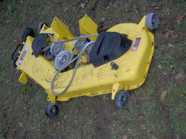Photo LA175-D170 John Deere Mower Deck 54 Inch - $350