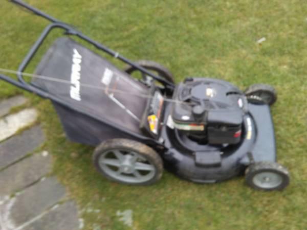 Photo Lawn Mower Mulcher 22 Inch High Wheel - $95 (Hamburg)