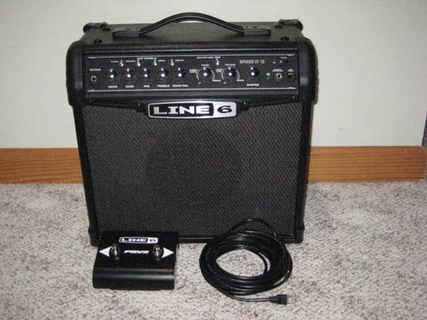 Photo Line 6 Spider IV 15 Watt Amp Amplifier w Footswitch - $75 (Lancaster NY)