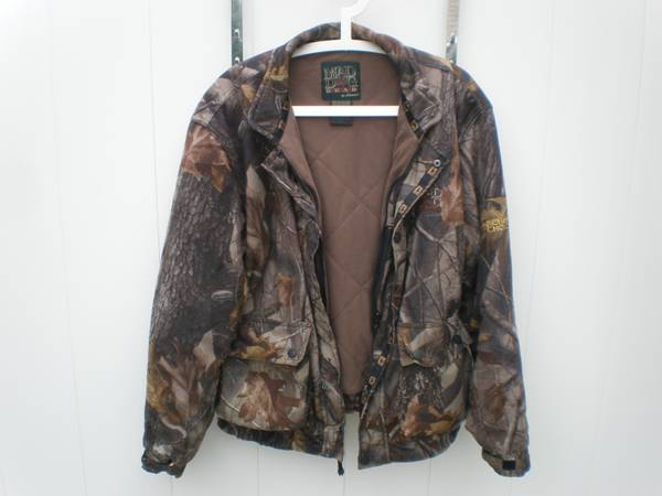 Photo MAD DOG GEAR ARCHERS CHOICE Mens Camo Jacket wThinsulate Size L - $30 (Williamsville)