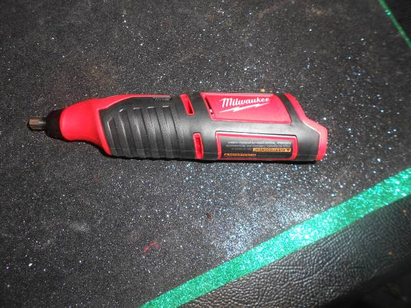 Photo Milwaukee M12 Rotary Tool model no-2460-20 - $60 (NIAGARA FALLS)