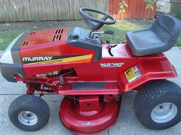 Photo Murray Riding Mower - $395 (N.Buffalo)