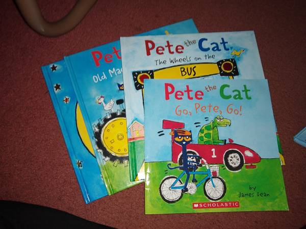 Photo Pete the Cat Books (4 total) - $10 (East Aurora)