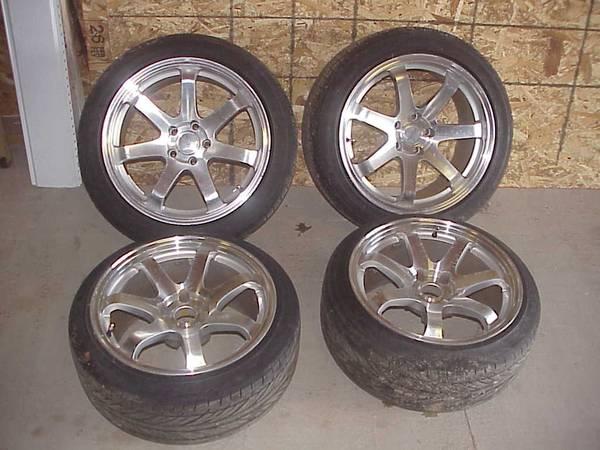 Photo Square G8 wheels for Lexus w tires - $450 (GRAND ISLAND)