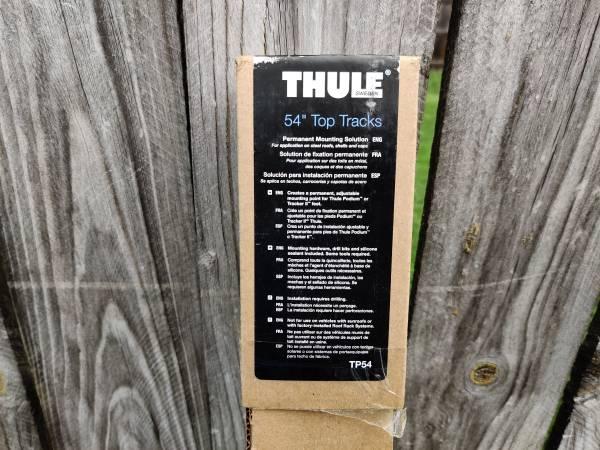 Photo Thule 54quot Top Racks - $135 (Kenmore)