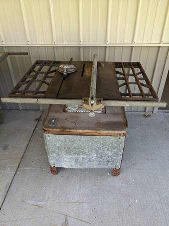 Photo Vintage craftsman table saw - $125 (Lancaster)