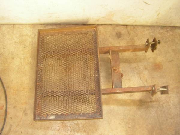 Photo Wheel Horse  Toro rear weight pan - $45 (HOLLAND)