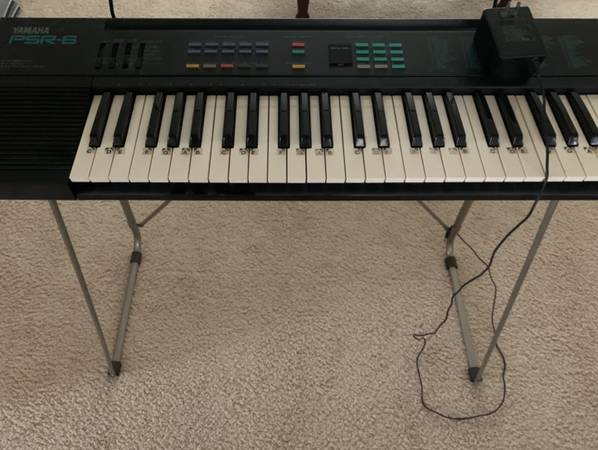 Photo Yamaha PSR-6 keyboard - $75