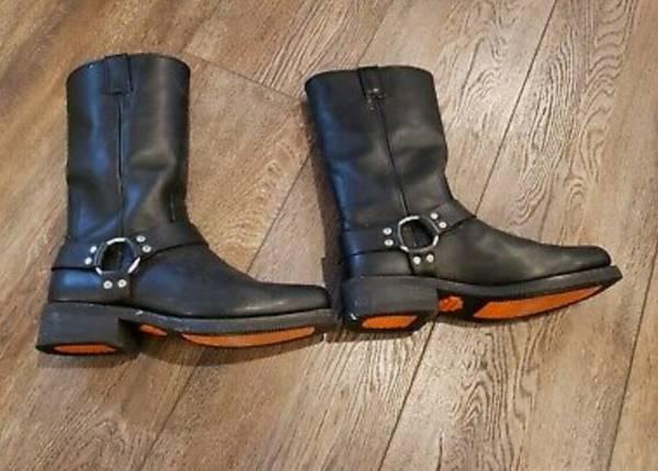 Photo harley davidson 95354 mens boots. 10.5 - $150 (EAST AURORA)