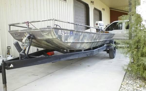 Photo 16 foot Flat bottom Jon Boat - $4,750 (Idaho Falls)
