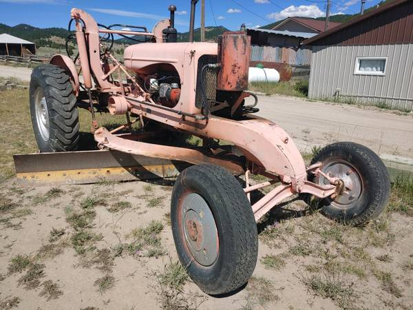 Photo 1947 Allis Chalmers small road grader patrol  - $4,500 (BUTTE)