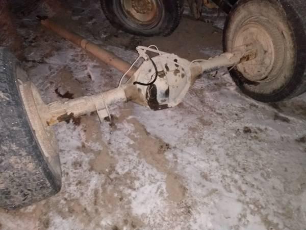 Photo 1989 34 chevy rear axle - $300 (Kalispell)