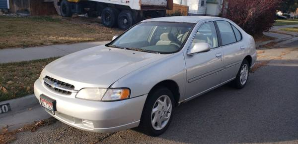 Photo 1998 Nissan Altima - Silver - $2,000 (Idaho Falls, ID)
