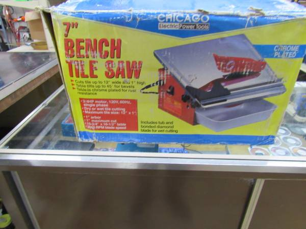 Photo Chicago Electric 7quot Bench Tile Saw - $60 (Deer Lodge)