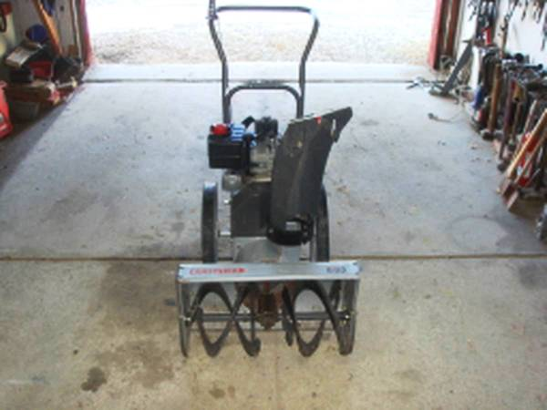 Photo Craftsman Snow Blower, electric Start, 5 HP Engine. Works great. - $300 (Butte, MT)