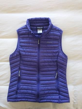 Photo Ladies Patagonia Down Vest - $45 (Bigfork)