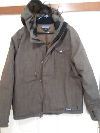 Photo PATAGONIA MENS SIZE LARGE DOWN jacket in very NEW condition - $145 (Bozeman)