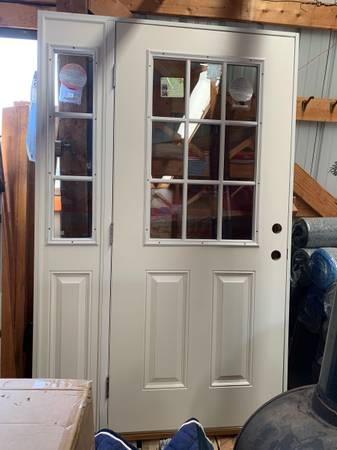 Photo PRICE DROP Exterior Door with Sidelight - $500 (Whitehall)