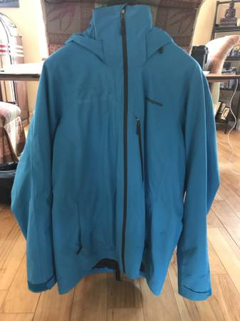 Photo Patagonia Primo Down Jacket - $250 (Bozeman, MT)