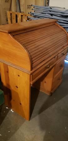 Photo Roll Top Desk - $100 (North Helena)