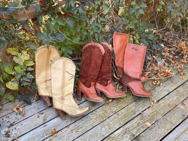Photo Vintage Zodiac USA Ladies Boots - size 6  6.5 - $120 (Whitehall)
