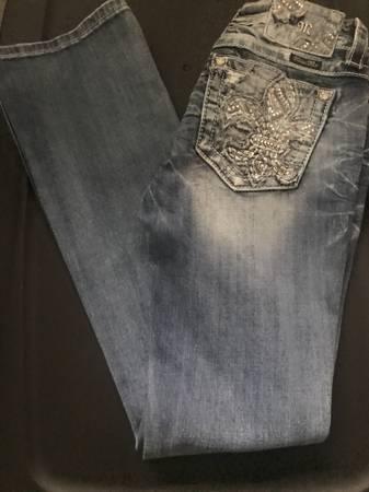 Photo Women39s Miss Me Jeans  Size 27 - $75 (Kalispell)