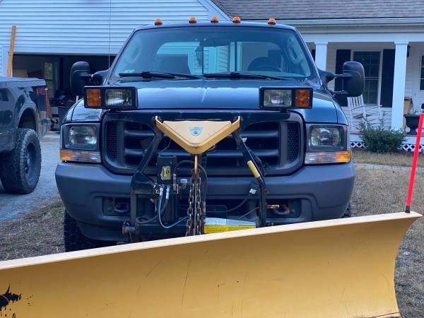 Photo 2004 Ford F250 pickup w plow - $6,450 (Plymouth)
