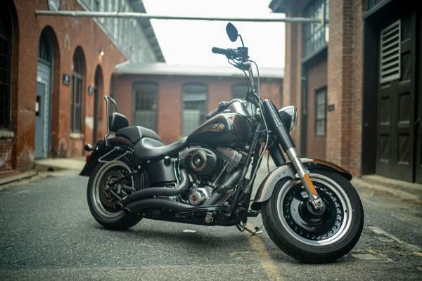 Photo 2013 Harley Davidson FLSTFB Softail FatBoy Lo 110th Anniversary - $12,000 (Framingham)