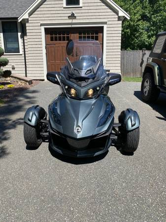 Photo 2018 CAN AM SPYDER RT LIMITED - $23,200 (YARMOUTHPORT)