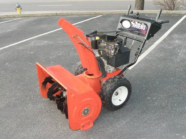 Photo 28quot Ariens Snow Blower - $730 (Plymouth)