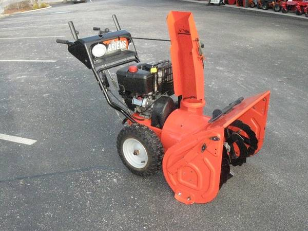 Photo 28quot Ariens Snow Blower - $750 (Plymouth)